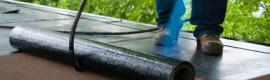 dakdekker op een plat dak